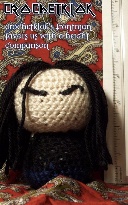 Crochetklok Part IV by Dyelshi