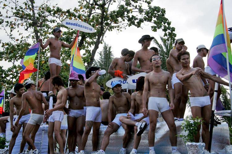 from Payton gay puket