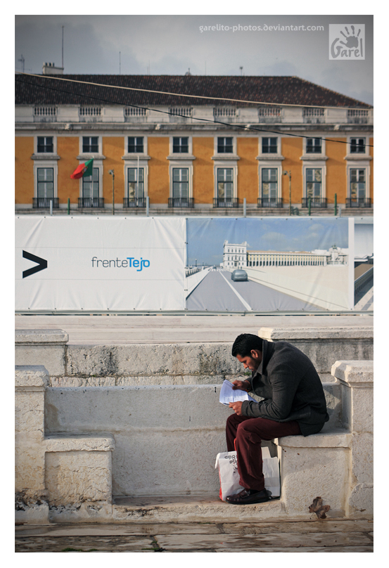 Reading in Tagus Front by Garelito-Photos