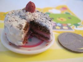 Minature Cake by bunnysmiles