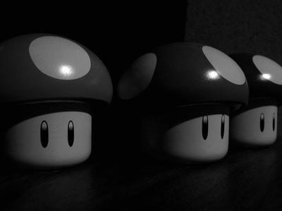 Mario mushrooms BandW