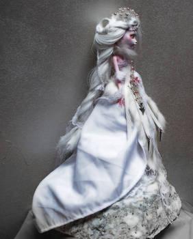 White Nightingale - Draculaura ooak monster high