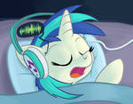 Sleepy Pones: Vinyl Scratch