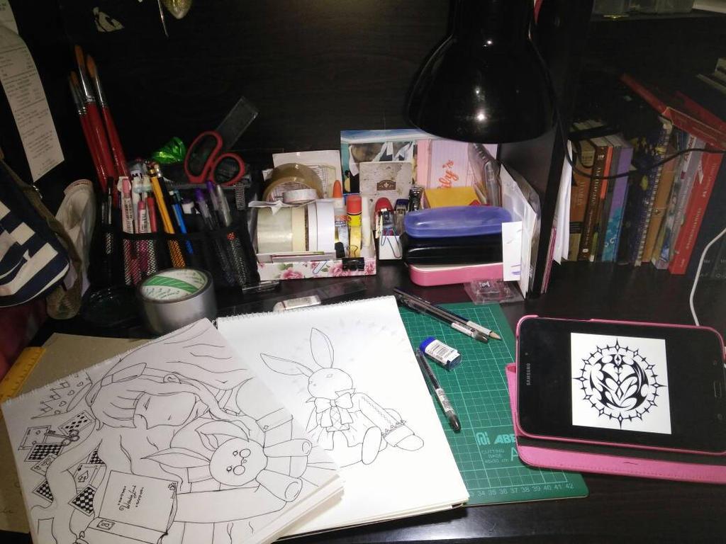 my artist desk by mikispades