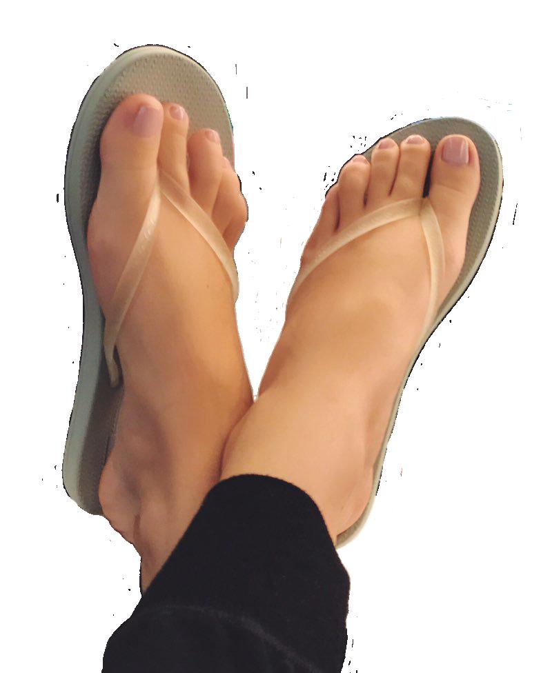 Feet hailee steinfeld Beautiful pics