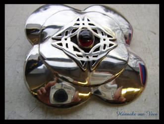 Celtic brooch by Gadiena