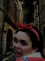 Snow White by albinoboo