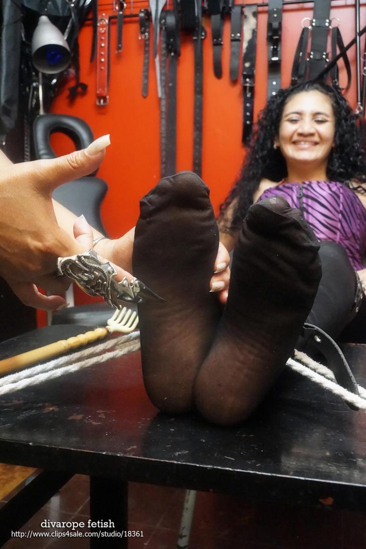 Teresa's tickling soles by DivaRope