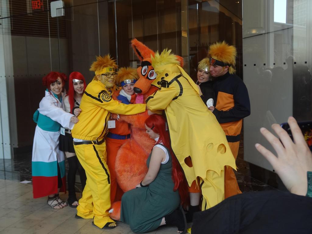Everybody Hug the Kyuubi! by BloodKaika