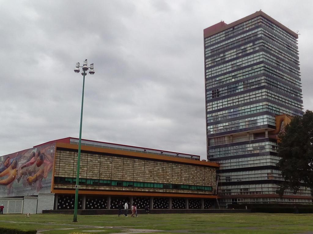Rectoria, Ciudad Universitaria, UNAM by ryubluedragon