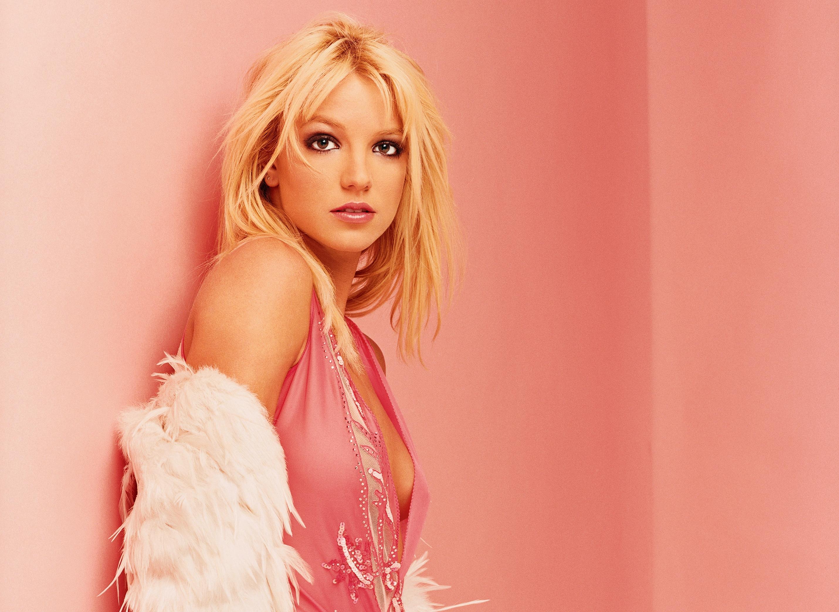 Britney Spears Wallpaper 4 By Catsya On Deviantart