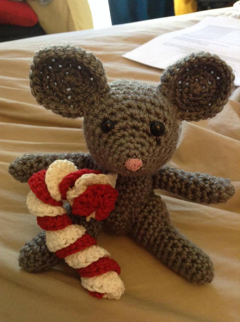 Crochet Mouse and Candy Cane by Fluffer2004