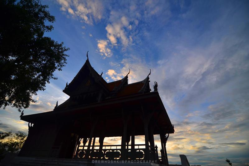 Sunset in Bangkok by drewhoshkiw