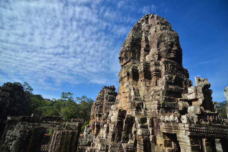 The Bayon by drewhoshkiw