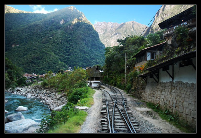 Aguas Calientes by Krycke