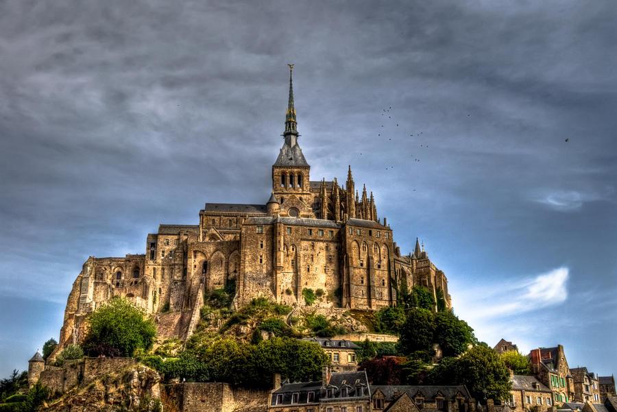 Le Mont St Michel by Rayon2lune
