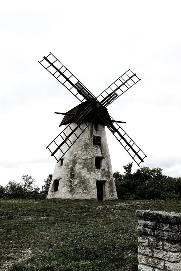Windmill by valetaminepoleilus