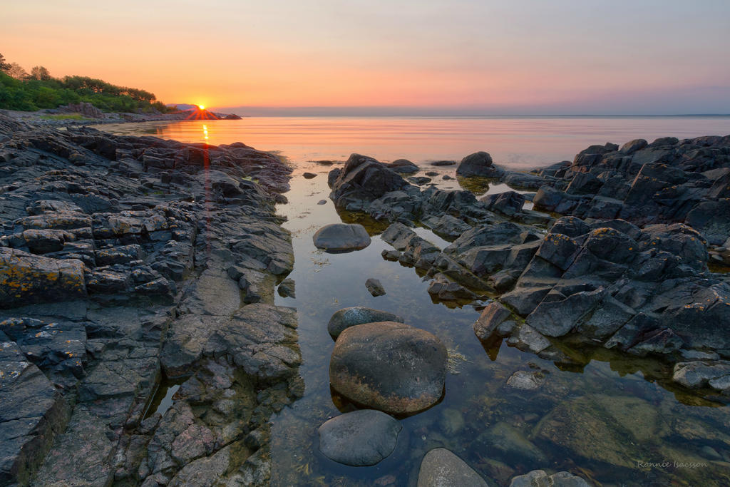 Sunset and calmness by roisabborrar