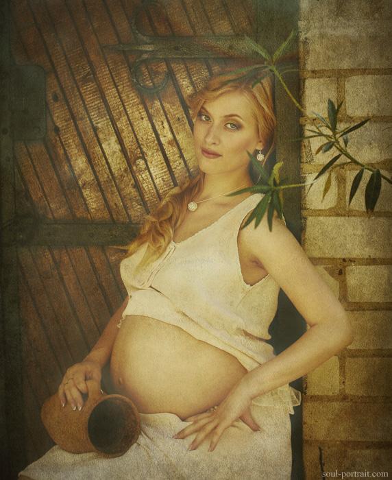 Фото беременная мадонна