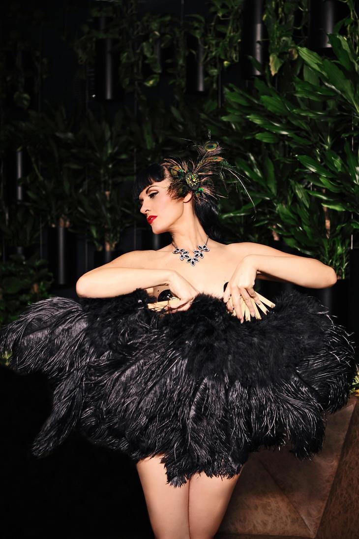 black swan by LadyOfTheShadow