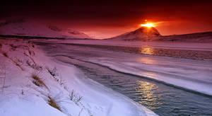 ICELANd - Volcano on frozzeeen by PatiMakowska