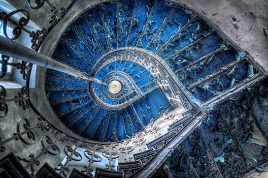 Crazy of the Indigo Swirl by PatiMakowska