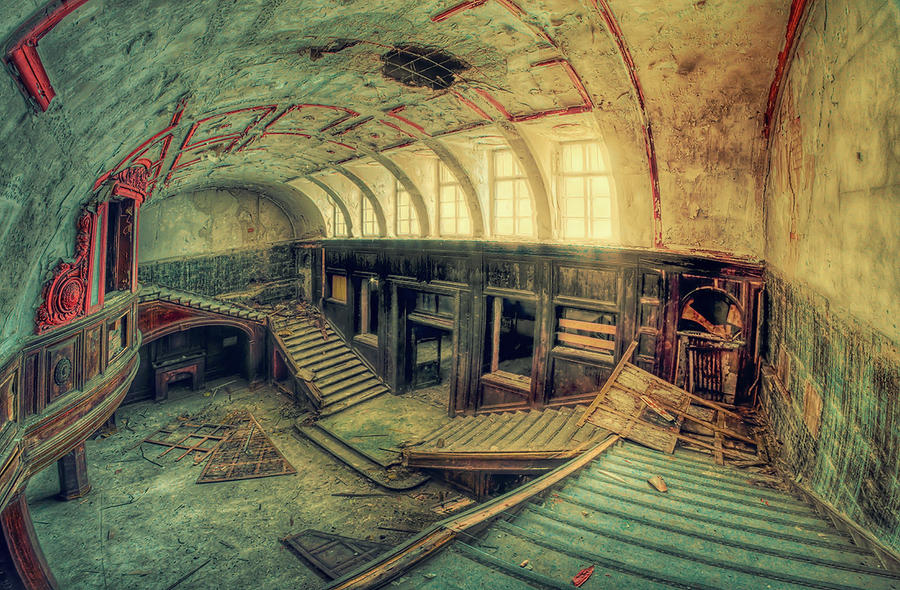 Lost Memories by PatiMakowska