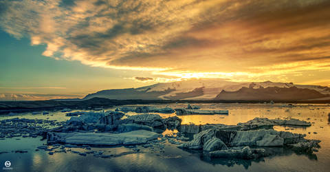 Glacier Lagoon in Iceland by PatiMakowska