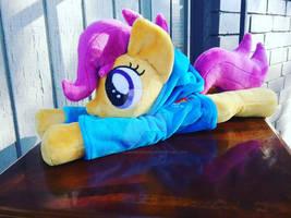 Scootaloo beanie plush in Rainbow Dash hoodie