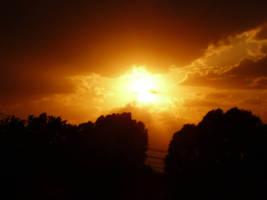 Dark sunset by iulikamd