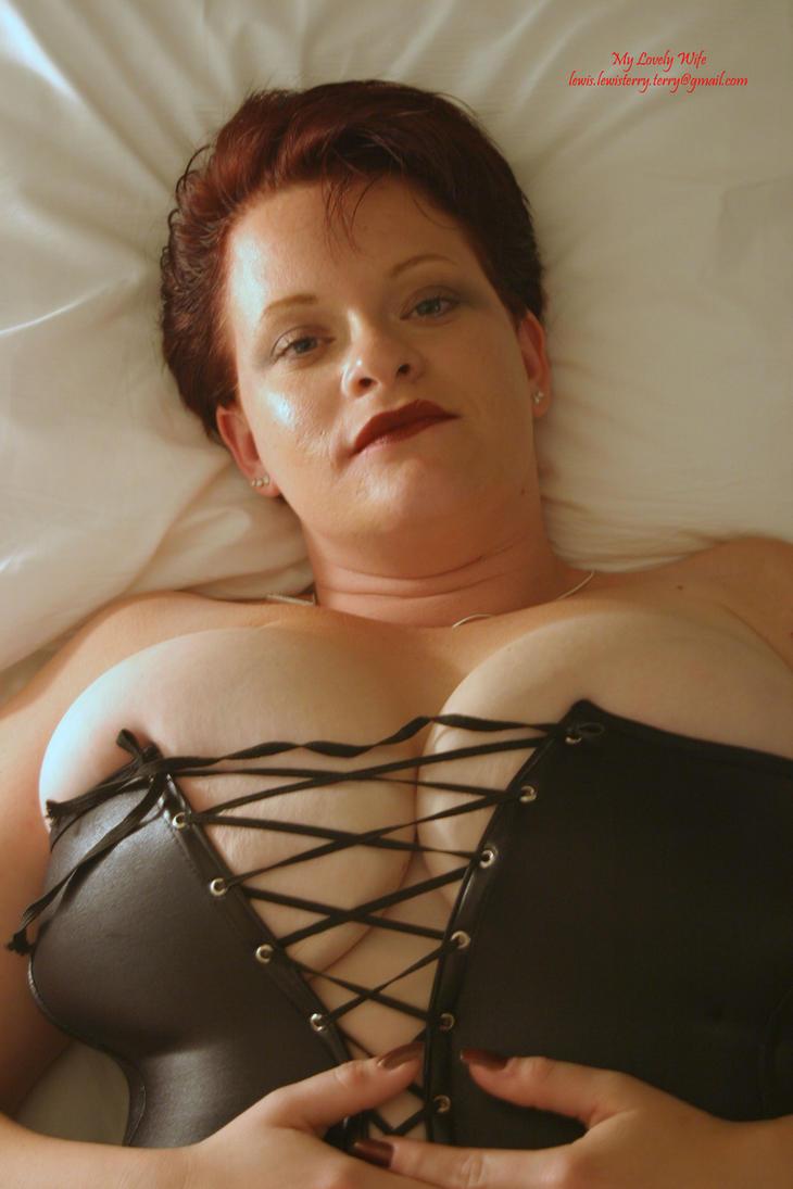 Slutty girlfriend shows off tits