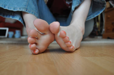 barefoot Around The House 3 by Foxy-Feet