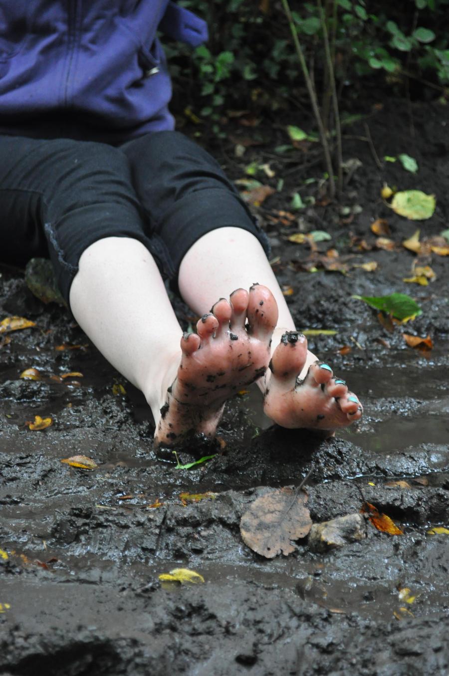 Muddy Little Feet by Foxy-Feet on DeviantArt