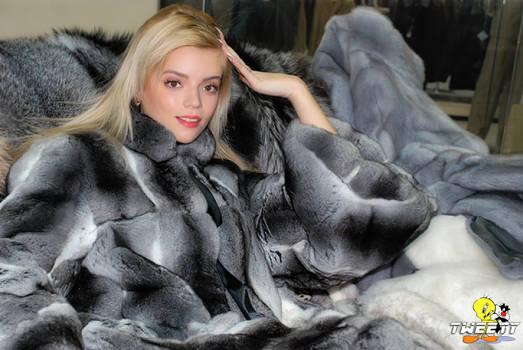 Anya Taylor-Joy in chinchilla fur coat(commission)