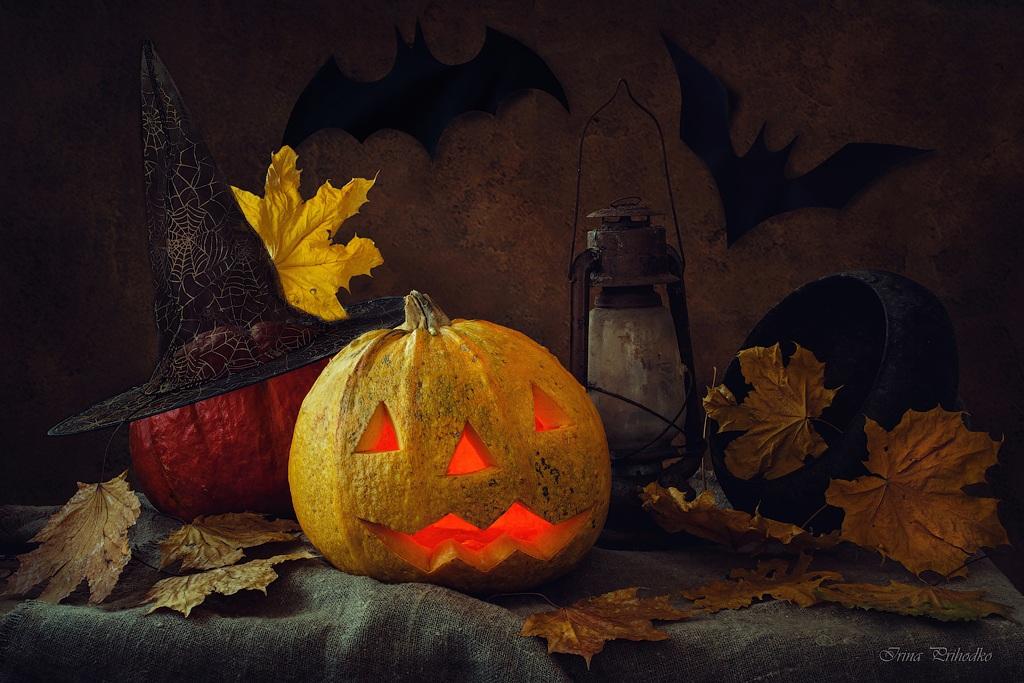 Halloween by Daykiney
