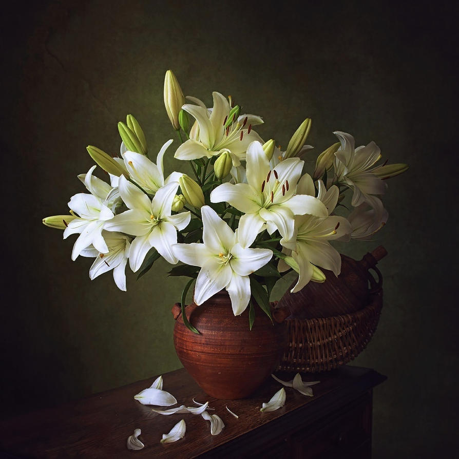 Still life with bouquet of lily by Daykiney