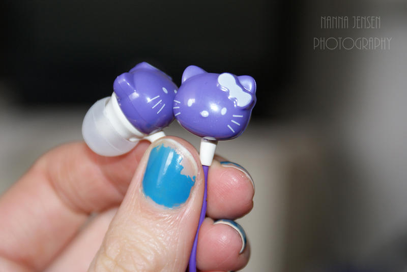 Hello Kitty Headset by ilostmyusername