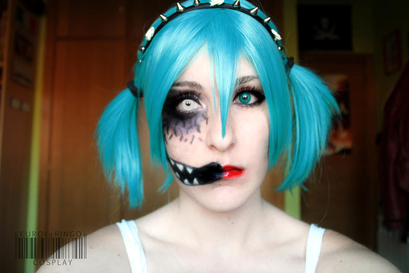 Creepy n' Cute Halloween makeup by PhotoSoof