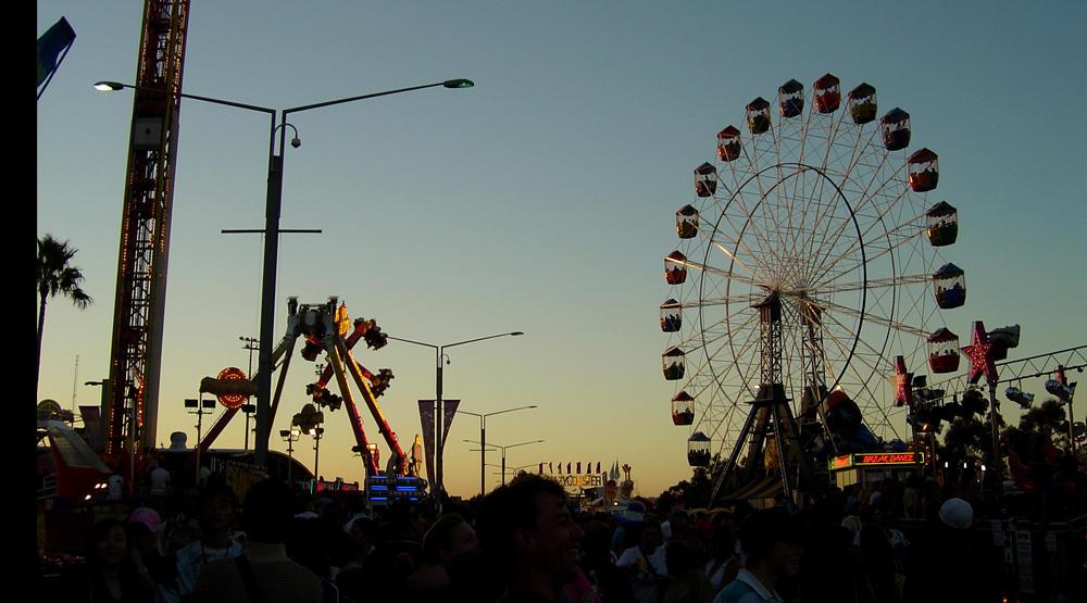 Ferris Wheel at Dusk by prudentia