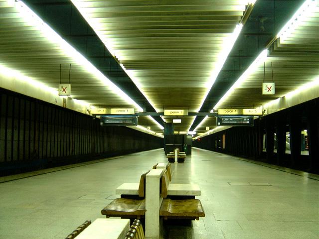 Inside Warsaw Train Station by prudentia