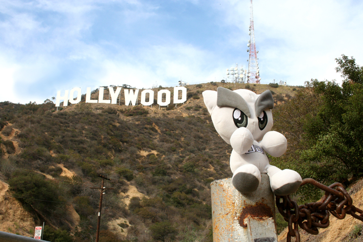 Hollywood Sign by deviantARTGear