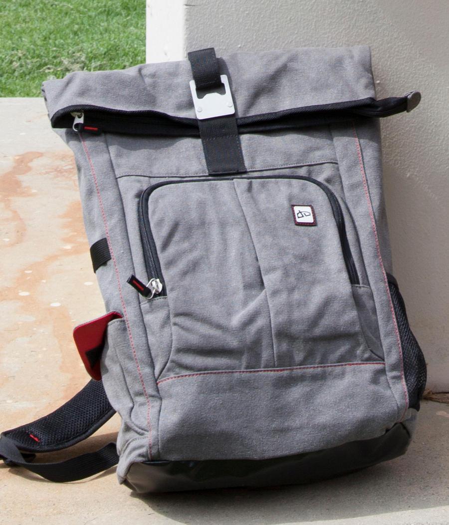dA PRO Nomad Bag by �deviantARTGear