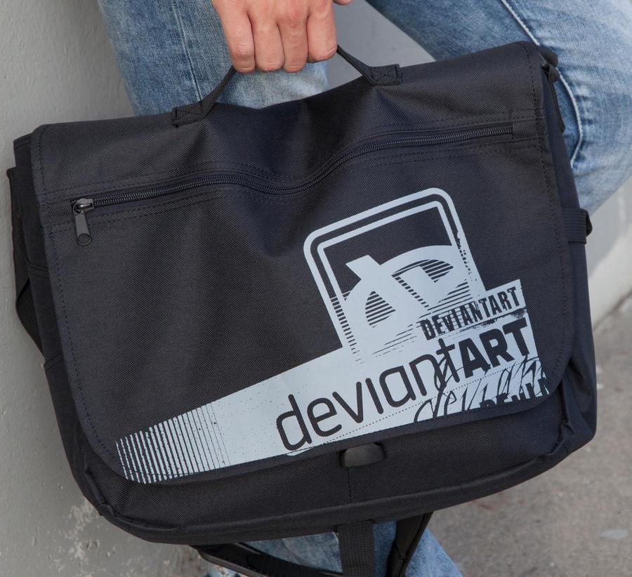 dA Laptop Messenger by deviantWEAR