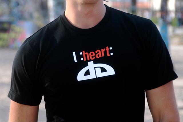 I :heart: dA by DeviantArtGear