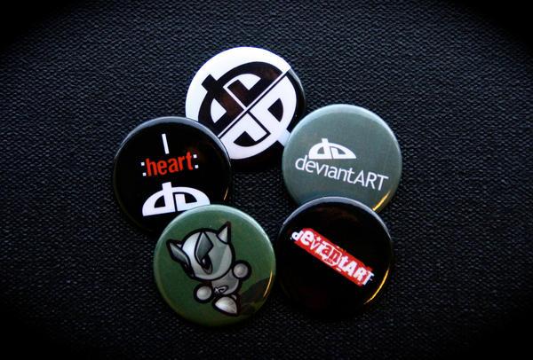 dA Buttons by DeviantArtGear