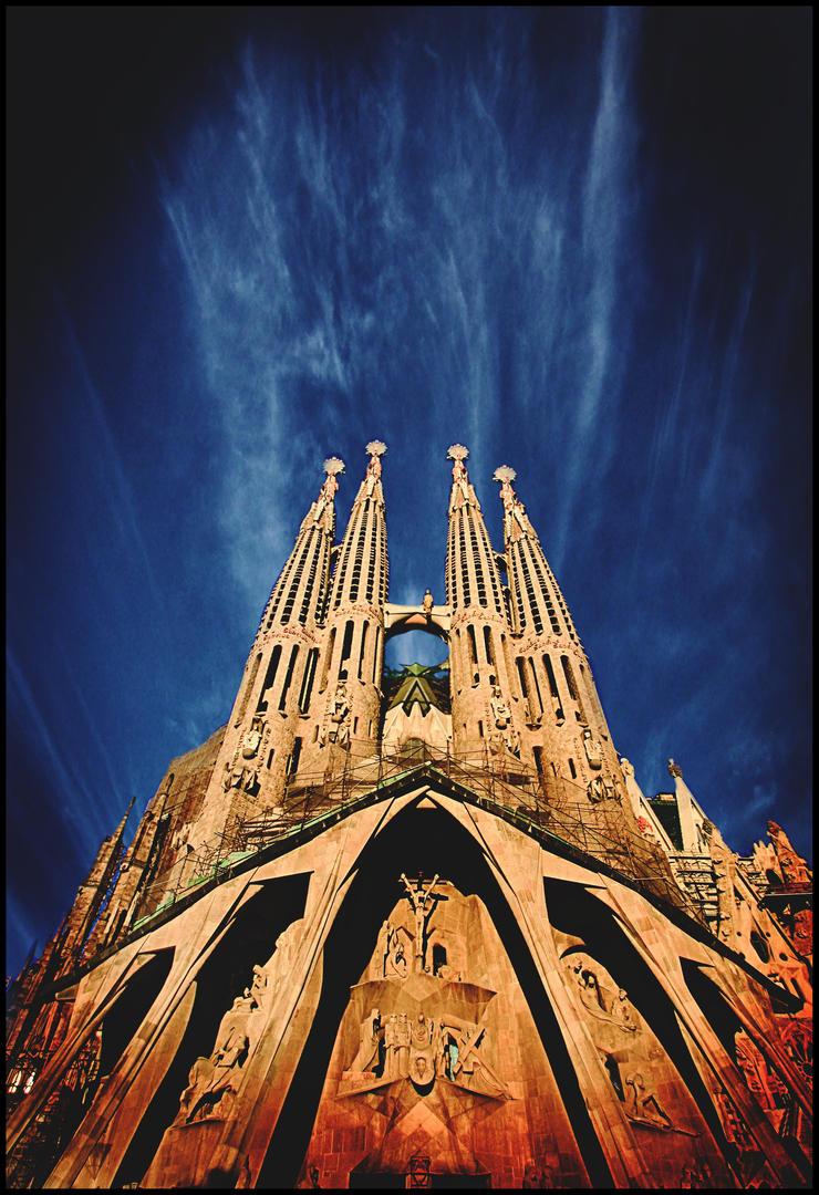 Sagrada Familia by KandinskyByNight