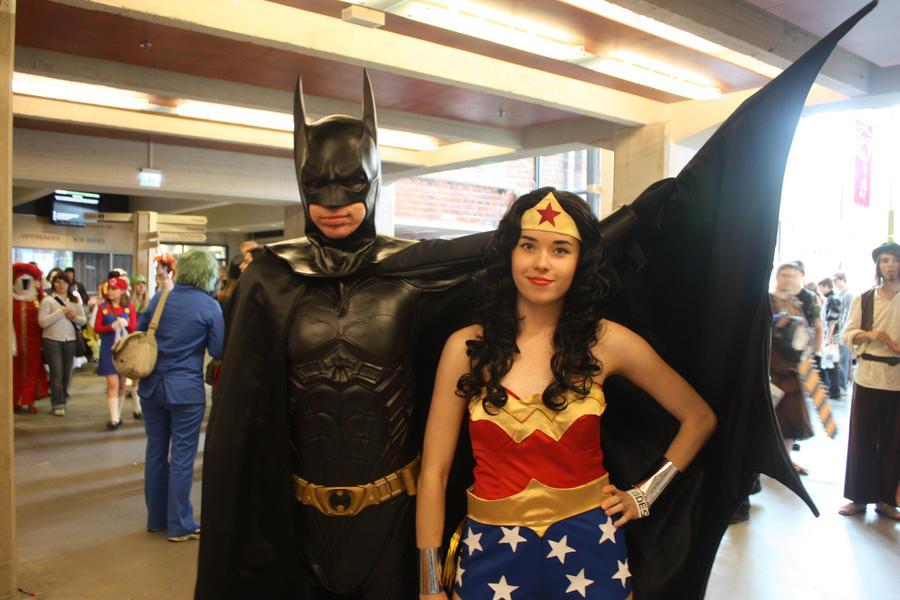 Batman feat Wonder Woman by Rigetzu