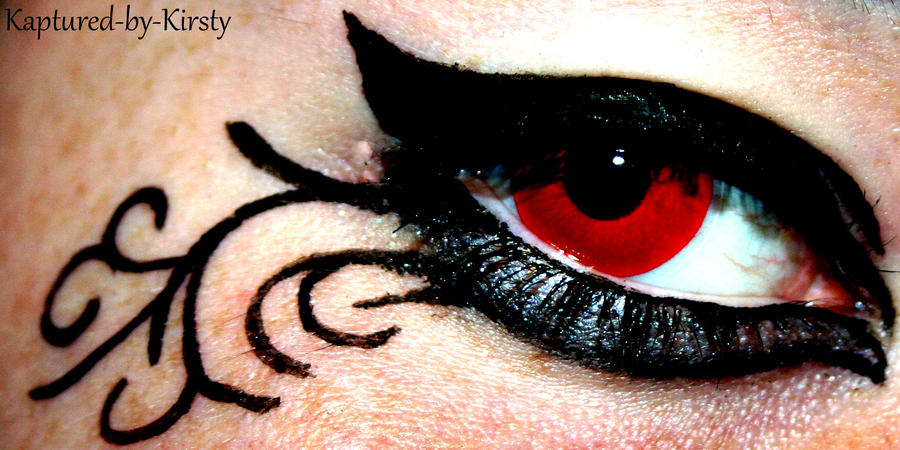 The Eye by Kaptured-by-Kirsty