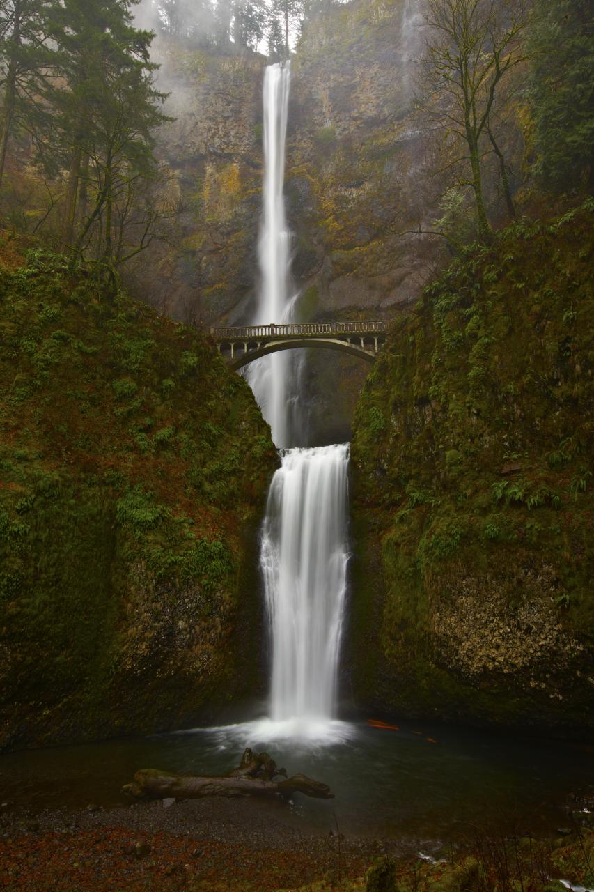 Multnomah Falls by coulombic