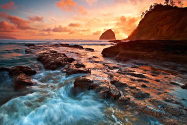 Cape Kiwanda, XIII by coulombic